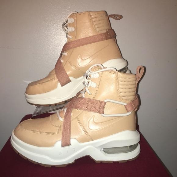 innovative design 58d1b f0750 Nike Air Max Goadome Tan Womens Boots New Size 6.  M5b6b8505bb7615452d5337f2